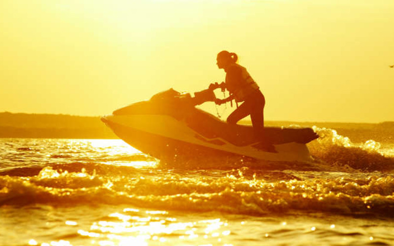 Jet-skiing-in-Benidorm